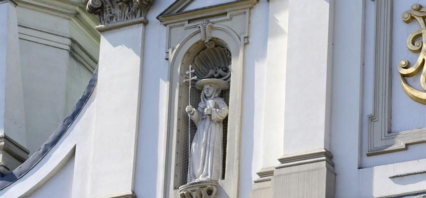 Saint Bernardine of Siena Apostle of the Eucharist