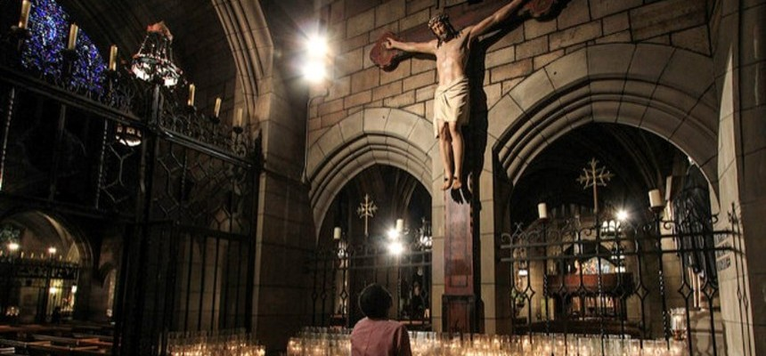 The Crucifix: Why we keep Christ on the Cross
